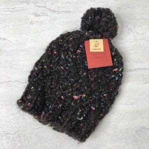 NWT Mossimo chunky hand knit pom beanie